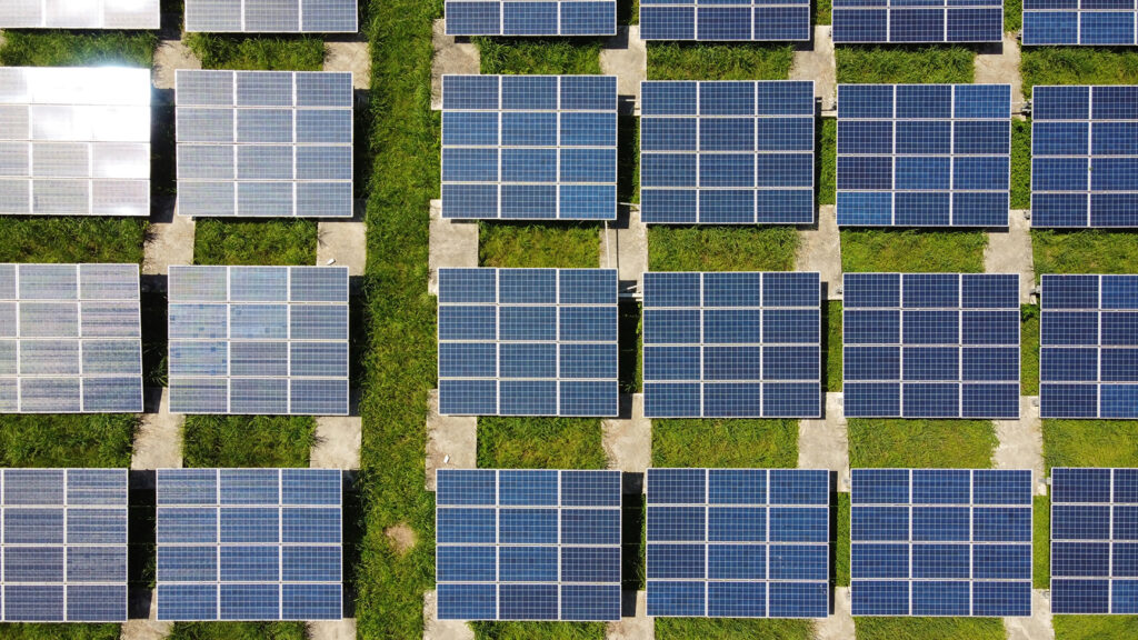 Will Solar Panels Work During a Power Outage?